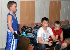 В раздевалке (слева направо) Сергей Чепля, Вова Винтер и Ваня Ляшенко