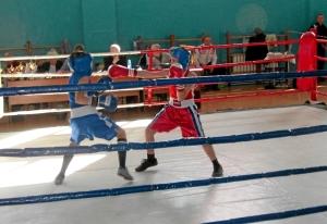 Финальный бой Антона Траутваина (в синей форме)