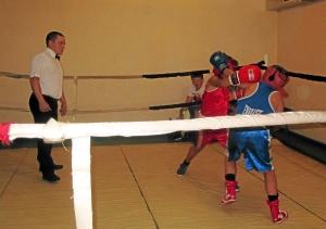 На встречных курсах проходил бой с участием Никиты Пинигина (в синей форме)