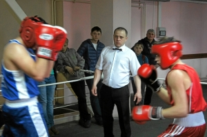 Спарринг. Артем Семин (справа) - Саак Алексанян