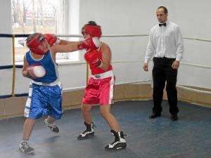 Эпизод боя с участием Ивана Коломина (слева)