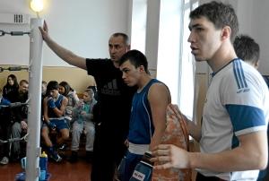 Перед началом боя. Слева направо Игорь Пужак, Роман Алевский, Евгений Чернов