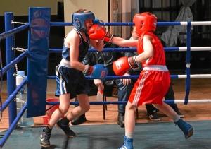 Полуфинал. Момент боя с участием Ивана Балашова (в красной форме) (2)