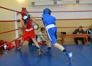 Момент боя с участием Ивана Балашова (в синей форме) (1)