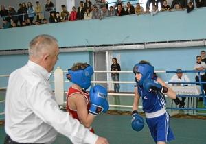 Финал. Момент боя с участием Александра Савкина (в синей форме) (2)