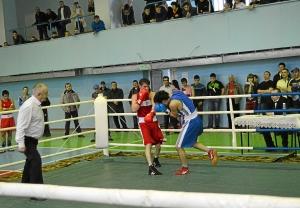 Финал. Момент боя с участием Ивана Верещагина (в красной форме) (2)