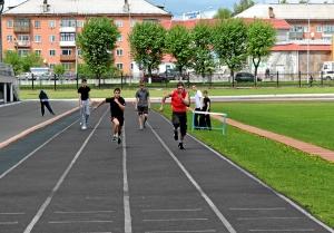 Бег на 30 метров. Иван Верещагин и Влад Болдырев  (справа)