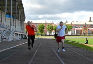 Бег на 30 метров. Ренат Шахабутдинов (слева) и Анатолий Горбунов