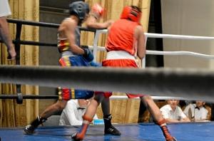 Первый бой на турнире Влада Трофимова (в красной форме) (6)