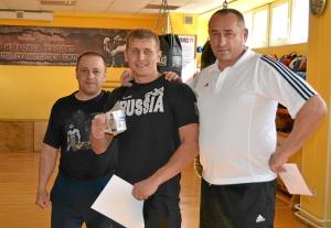 Победитель соревнований среди завершивших спортивную карьеру - Павел Чабанов (в центре)
