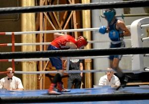 Четвертьфинал. Момент боя с участием Влада Трофимова (в синей форме) (2)
