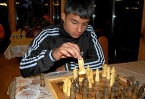 33 Влад Трофимов ставит шах