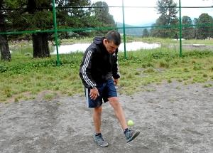 36 Жонглирование теннисным мячом (2)