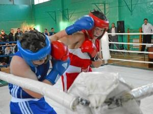 10 Полуфинальный бой Артема Пичугина (в синей форме)