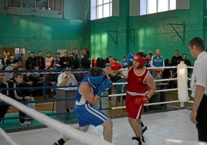 12 Полуфинальный бой Романа Романчука (в синей форме)