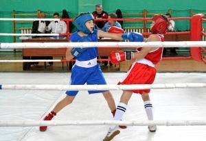 2 Полуфинальный бой Александра Савкина (в синей форме)