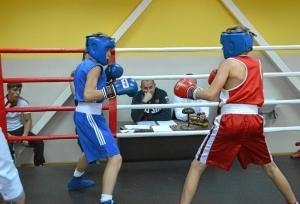22 Момент боя. Александр Савкин (в красной форме) - Иван Балашов (8)