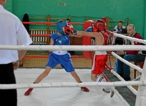 3 Полуфинальный бой Александра Савкина (в синей форме)