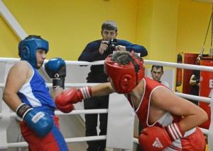 37 Момент боя Илья Краснов (в красной форме) - Рубик Шахбазян (6)