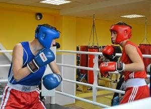 41 Момент боя. Александр Поздняков (в красной форме) - Андрей Попов (1)