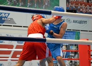 10 Второй бой на турнире Влада Трофимова (в красной форме)