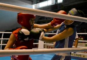 15 Полуфинальный бой Антона Траутваина (в красной форме)