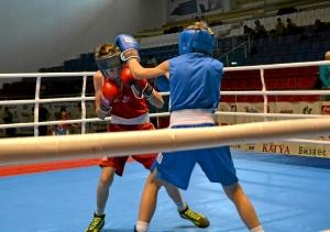16 Полуфинальный бой Ивана Балашова (в синей форме)