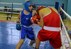 37 Момент боя с участием Рубика Шахбазяна (в синей форме)