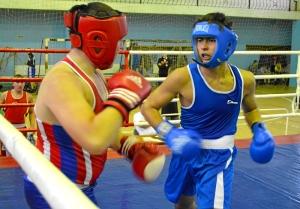 40 Момент боя с участием Магомеда Пугоева (в синей форме)