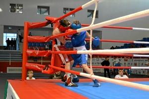 5 Первый бой на турнире Ивана Балашова (в синей форме)