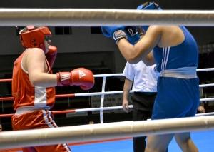 8 Первый бой на турнире Романа Романчука (в красной форме)