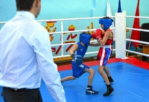 1 (1) Момент боя с участием Егора Пономарева (в синей форме)