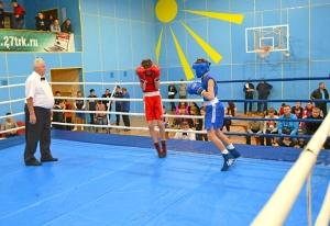 1 (15) Полуфинал. Момент боя  Ивана Балашова (в синей форме)