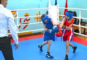 1 (2) Момент боя с участием Егора Пономарева (в синей форме)