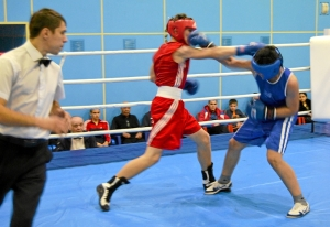 1 (20) Полуфинал. Момент боя  Рубика Шахбазяна (в синей форме)