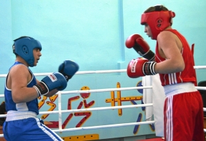 1 (24) Момент боя с участием Рубика Шахбазяна (в синей форме)
