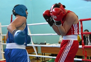 1 (25) Момент боя с участием Рубика Шахбазяна (в синей форме)