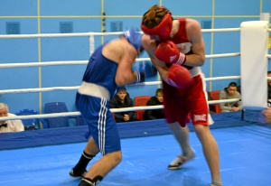 1 (31) Полуфинал. Момент боя  Дмитрия Богданова (в красной форме)
