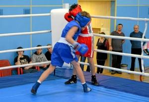 1 (35) Финал. Момент боя  Ивана Балашова (в синей форме)