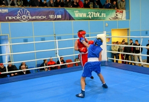 1 (37) Финал. Момент боя  Ивана Балашова (в синей форме)