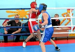 1 (52) Финал. Момент боя с участием Алексея Шелякина (в синей форме)