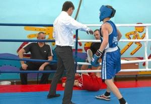 1 (55) Финал. Момент боя с участием Алексея Шелякина (в синей форме)