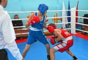 1 (58) Финал. Момент боя с участием Виктора Русакова (в красной форме)