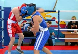 1 (60) Финал. Момент боя с участием Рубика Шахбазяна (в синей форме)