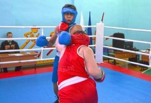 1 (65) Финал. Момент боя Магомеда Пугоева (в синей форме) с Романом Романчуком