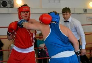 28 Момент боя с участием Ильи Муравьева (в синей форме)