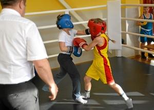 3 Момент боя самых юных участников. Андрей Рыбников (желтая форма) - Матвей Мулявин