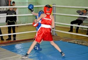 10 Финал. Момент боя с участием Егора Пономарева (в синей форме)
