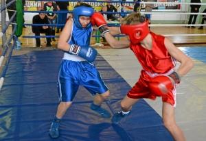 21 Финал. Момент боя с участием Ивана Балашова (в красной форме)