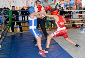 25 Финал. Момент боя с участием Ильи Краснова (в красной форме)